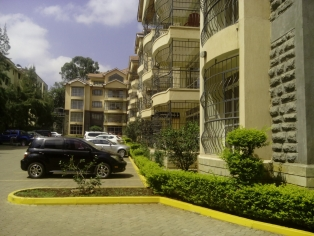 3 BR APARTMENTS TO LET IN KILIMANI R771